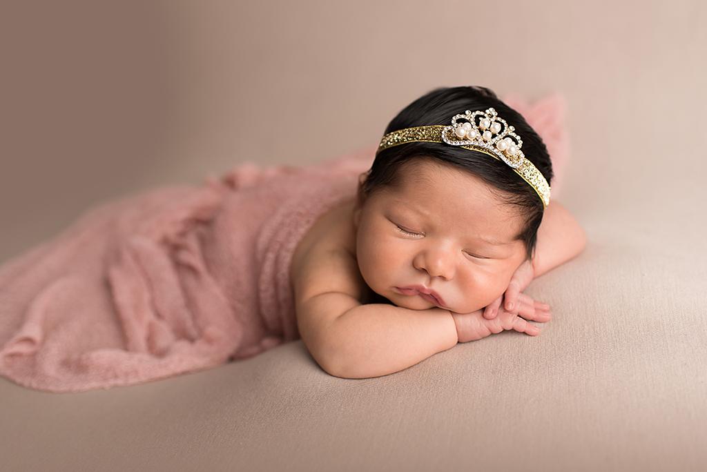 Emma - Newborn 7